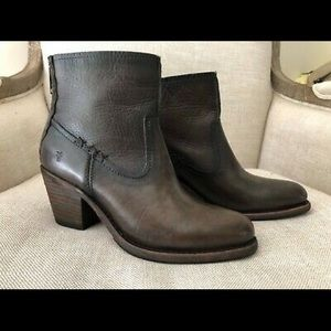 Frye Ankle Boots Brown Leather Heels Leslie Zipper